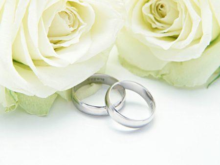 esküvői gyűrűk rózsával